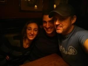con mi sobrino Efrén y Joanna su chica